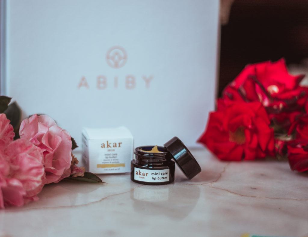 abiby-beauty-box-aprile-enchanting-land-akar-skin