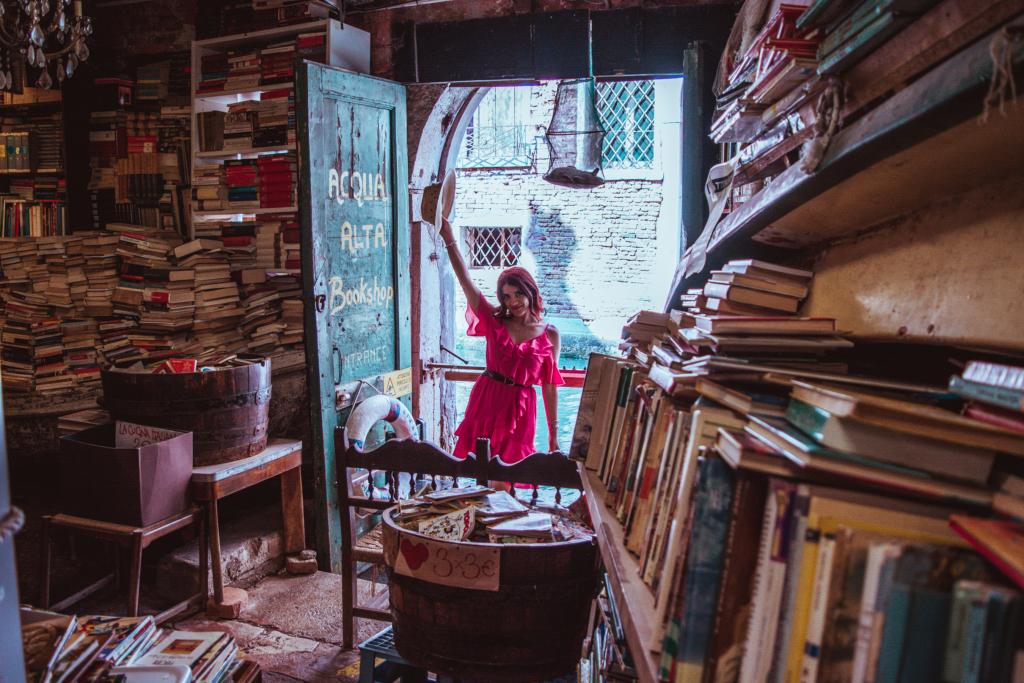 Venezia - libreria acqua alta